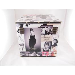 PUDEŁKO Audrey Hepburn 32cm GF-E545