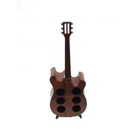 Stojak na wino w kształcie gitary